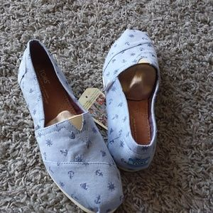 Toms classic nautical slip on shoe size 9